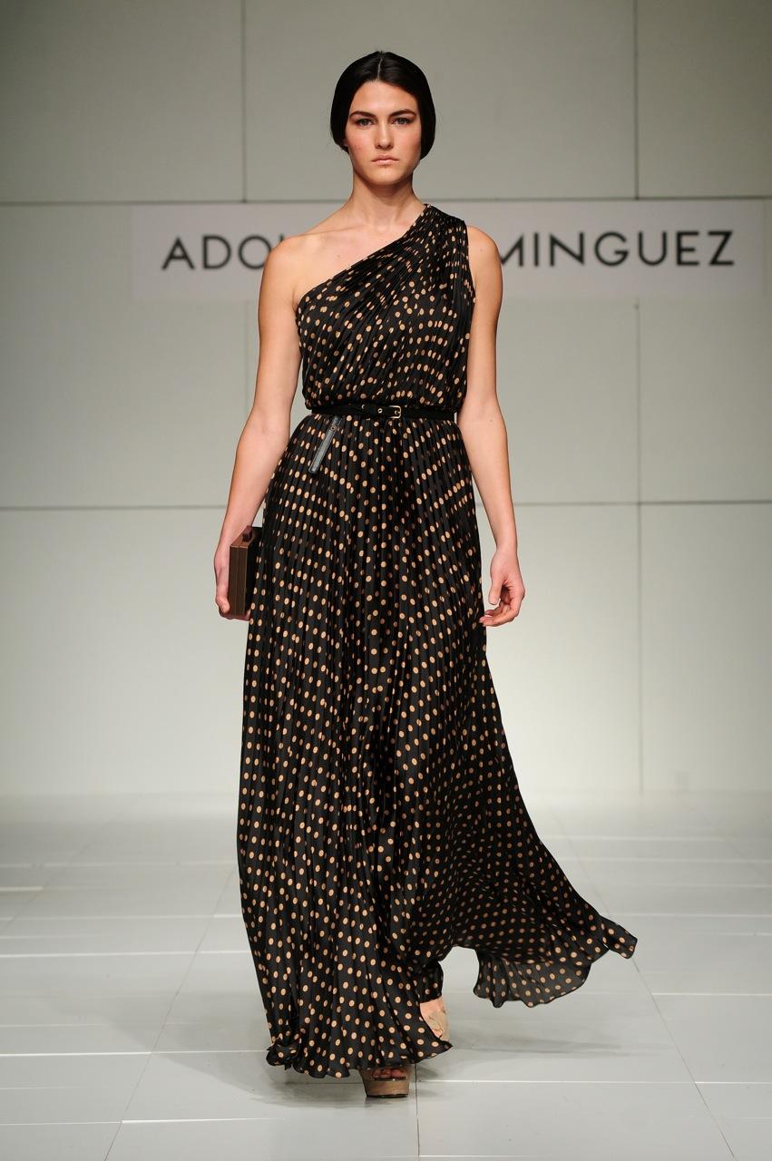 Desfile adolfo dom nguez dressmix for Adolfo dominguez la arruga es bella