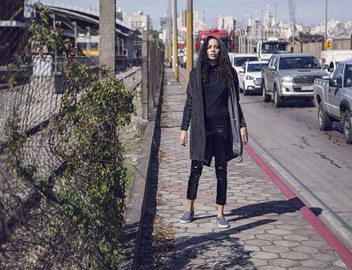 """"""" Freeway """" editorial callejero de moda en el centro de  Montevideo."""