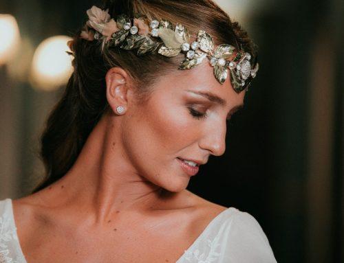 Novias coronadas por Isabel Navarro